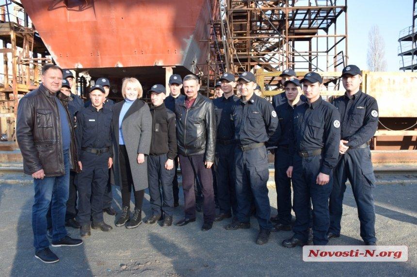 В Николаев на ремонт зашёл одноименный корабль