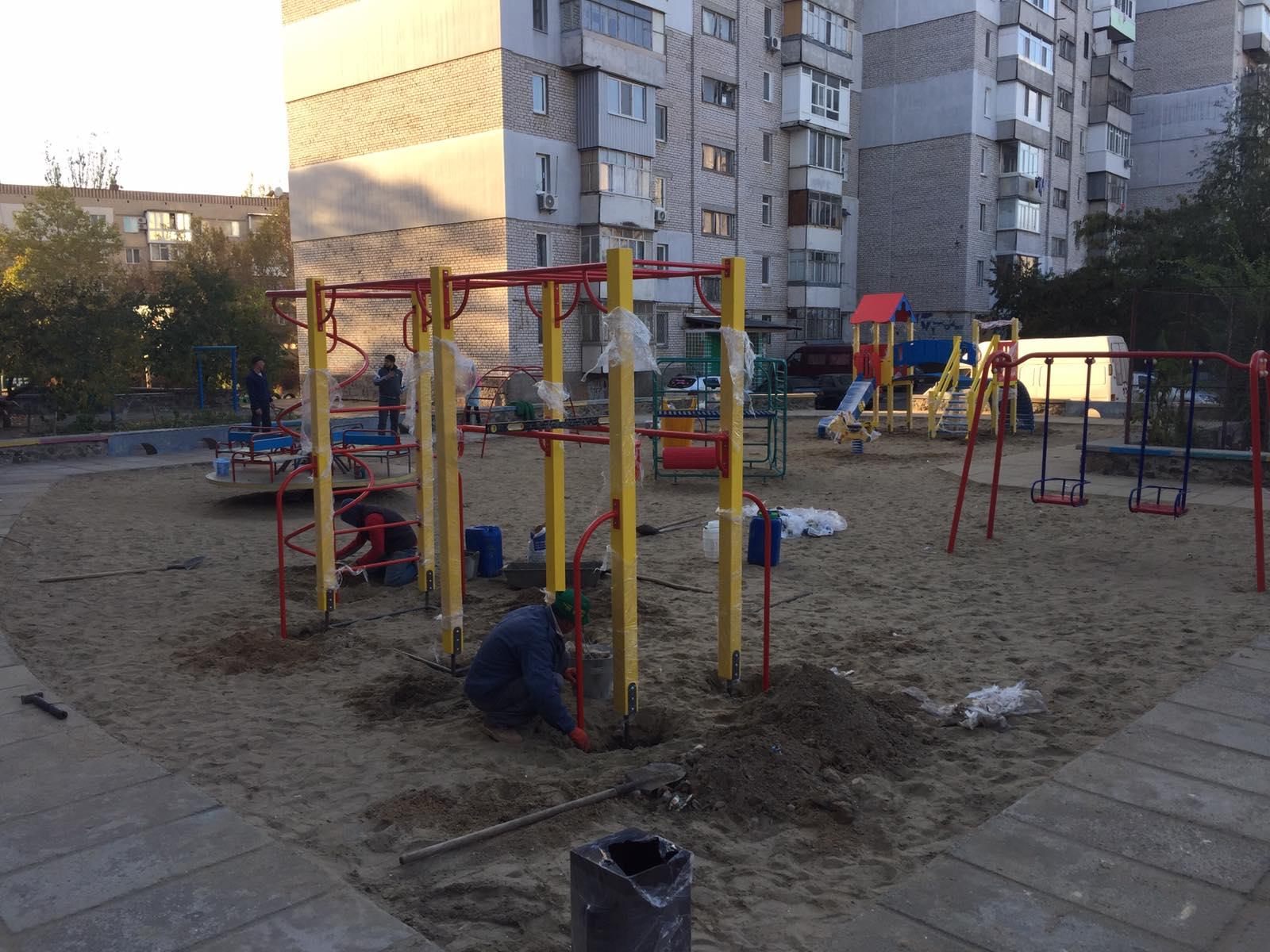 В Николаеве обустраивают новую игровую площадку