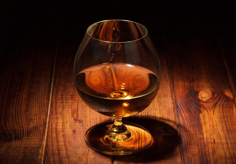 «Коньяк більше не коньяк»: українці обирають нову назву для спиртного напою