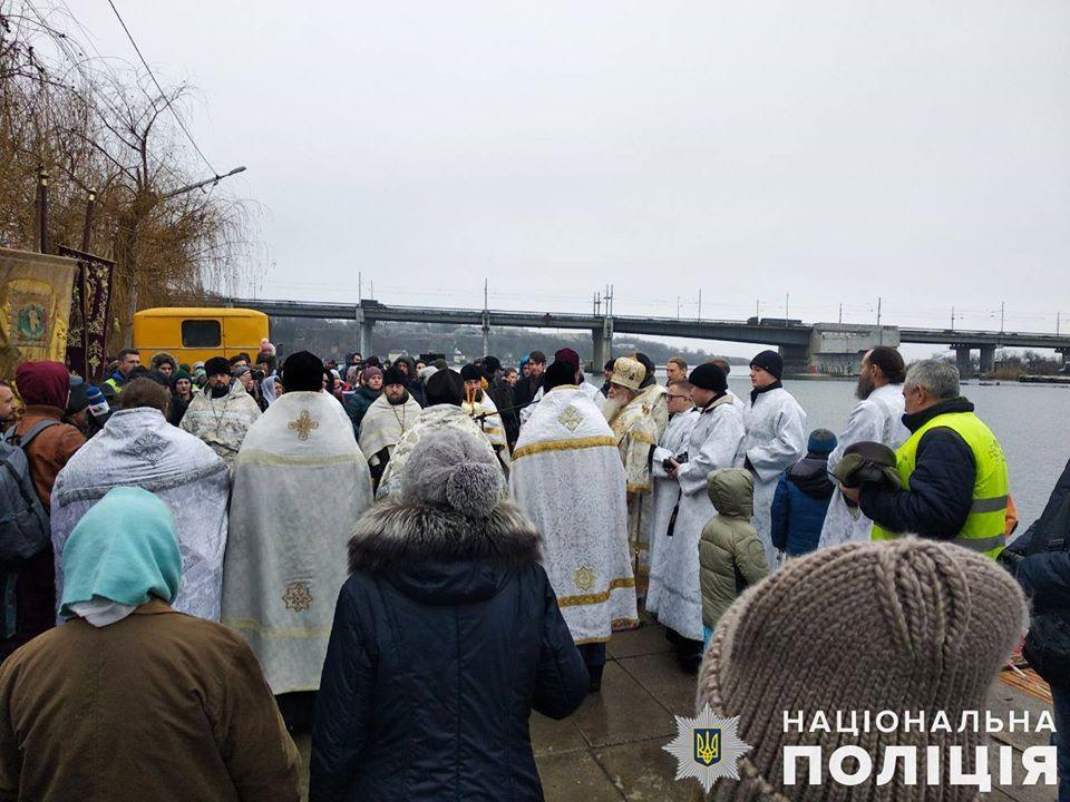 Почти 270 николаевских полицейских обеспечивали публичную безопасность и правопорядок во время празднования Крещения
