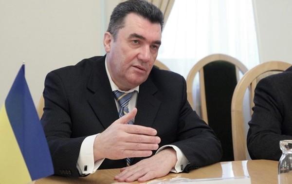 Секретарь СНБО рассказал, что коронавирус попадет в Украину и посоветовал лечиться салом
