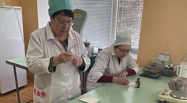 У Миколаєві через аптечний дефіцит антисептик виготовляють власноруч
