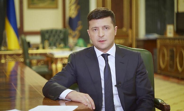 Зеленский призвал украинцев отпраздновать Пасху дома и не ходить в церковь