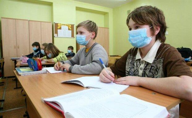 Начало учебного дня в Николаеве хотят перенести на 10 утра