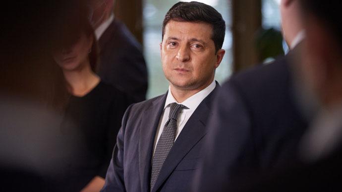 Зеленский анонсировал жесткий карантин в Украине, если в сутки будет больше 9,5 тысяч зараженных COVID-19