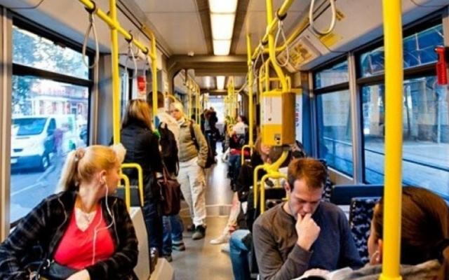 За отказ надевать маску в транспорте будут штрафовать не водителей, а пассажиров