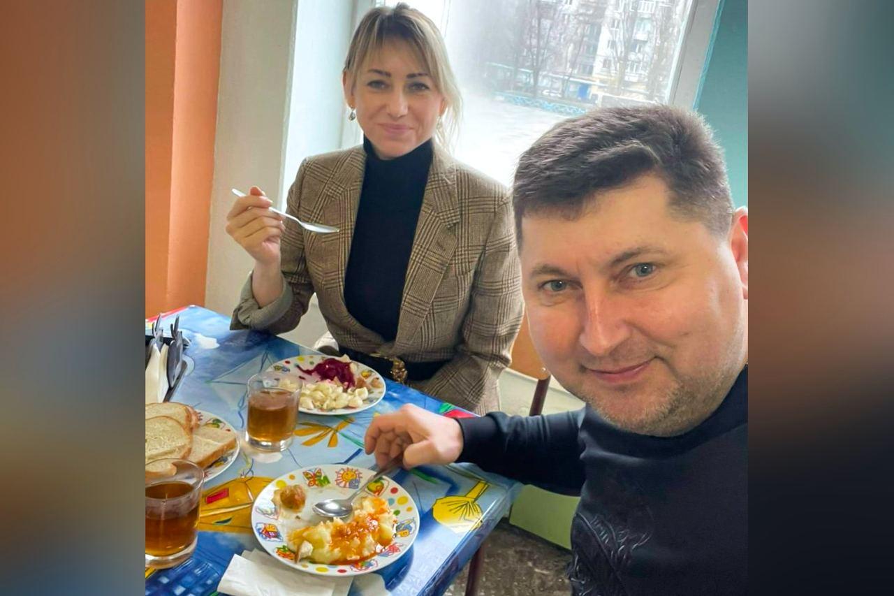 «Слуга народа» Домбровская похвалила городскую власть за качество школьного питания: «Не только вкусно, но и сытно»