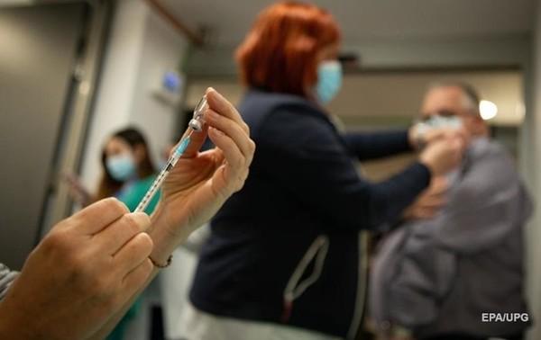 Вакцины доставят в Украину на следующей неделе