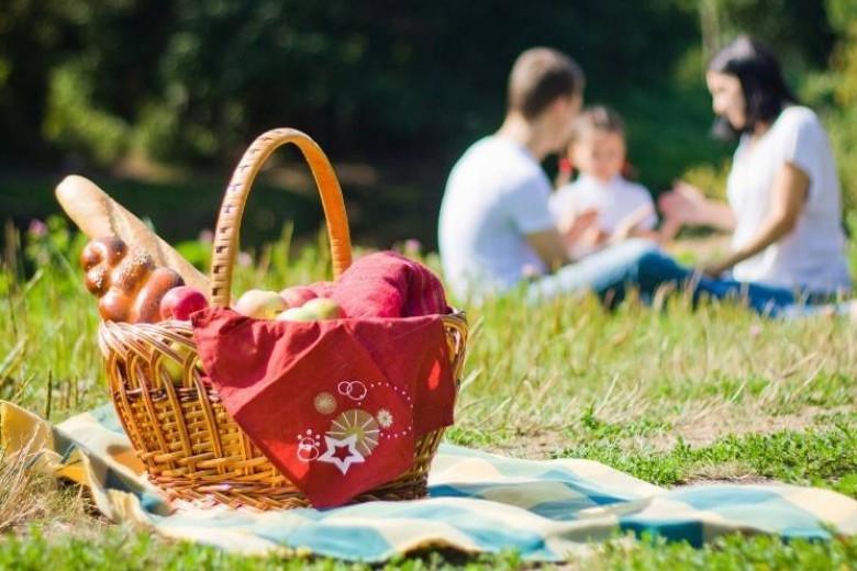 Майские праздники: сколько у украинцев будет дополнительных выходных