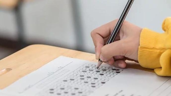 Верховная Рада отменила обязательные экзамены для выпускников из-за коронавируса