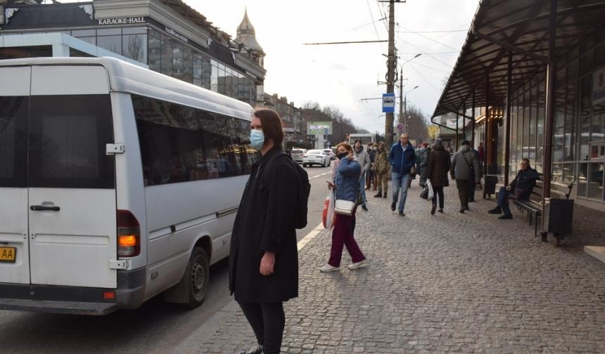 Губернатор призвал николаевцев без надобности не выходить на улицу и не пользоваться транспортом