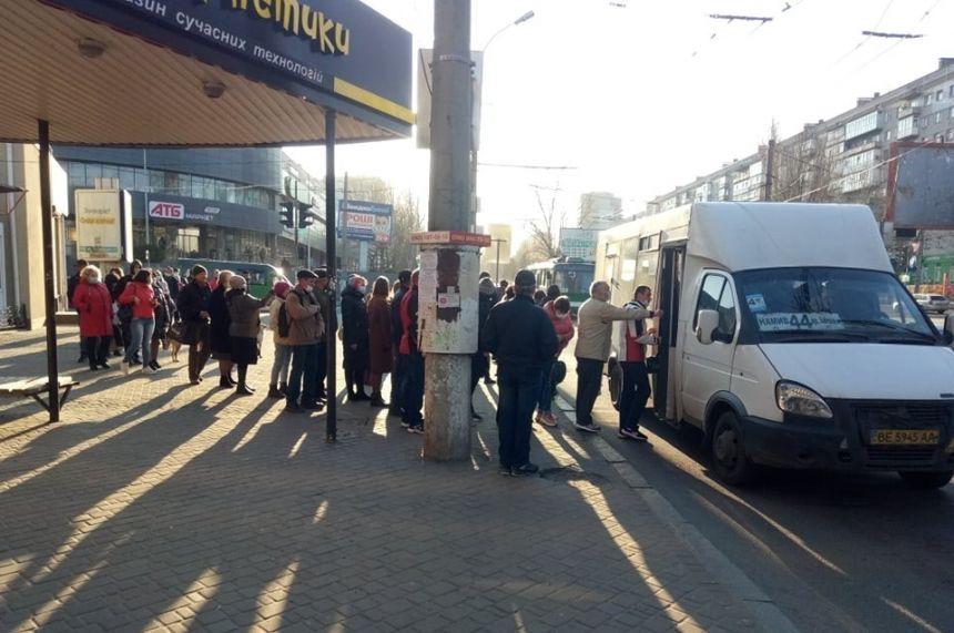 Сенкевич допускает полную остановку транспорта в Николаеве