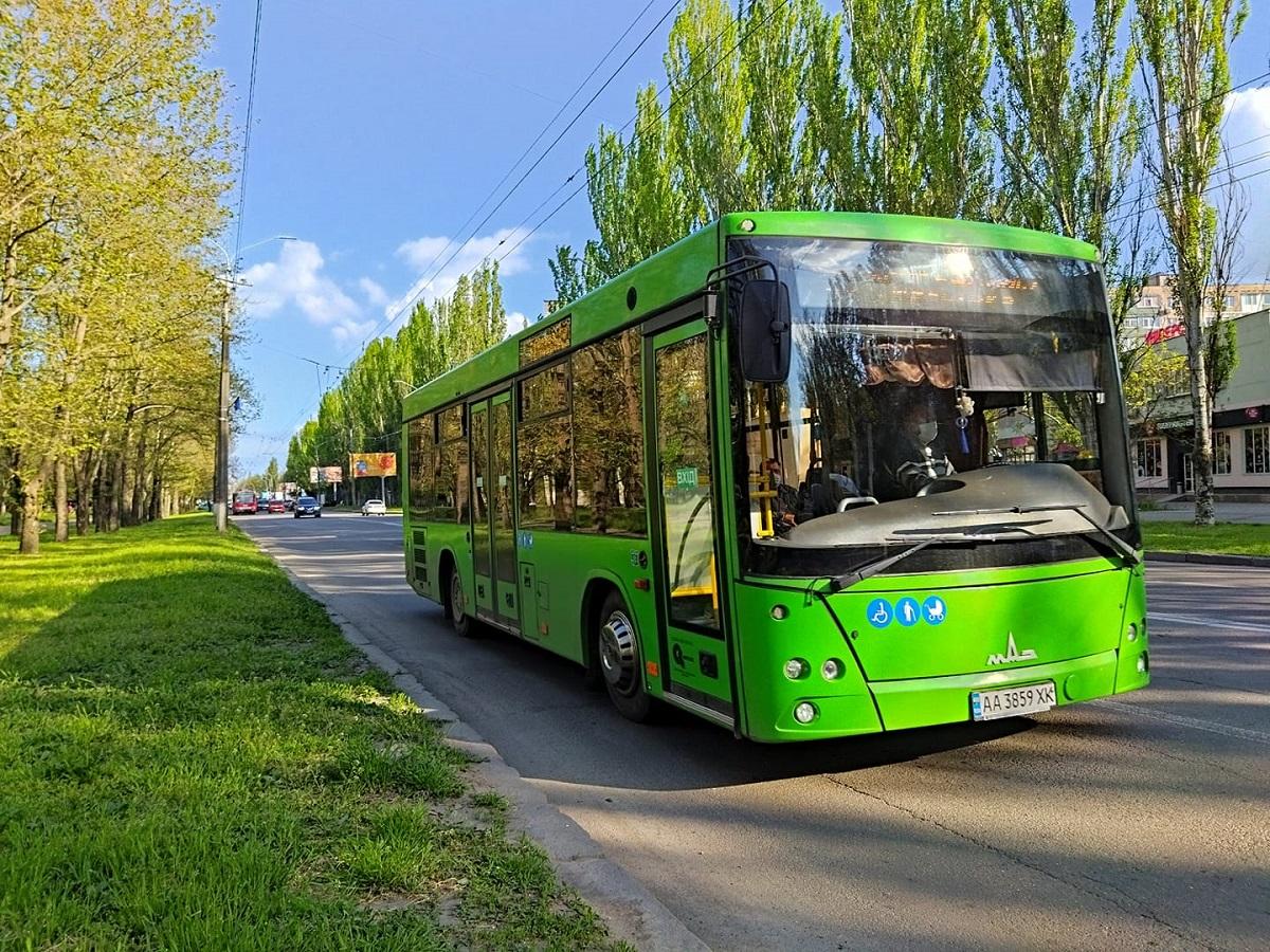 «Зеленый» автобус, обслуживающий Корабельный район, вновь работает по обычному графику