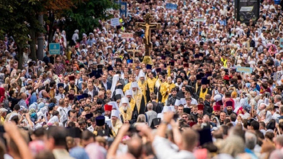 Более 350 тысяч верующих приняли участие в Крестном ходе ко Дню Крещения Руси