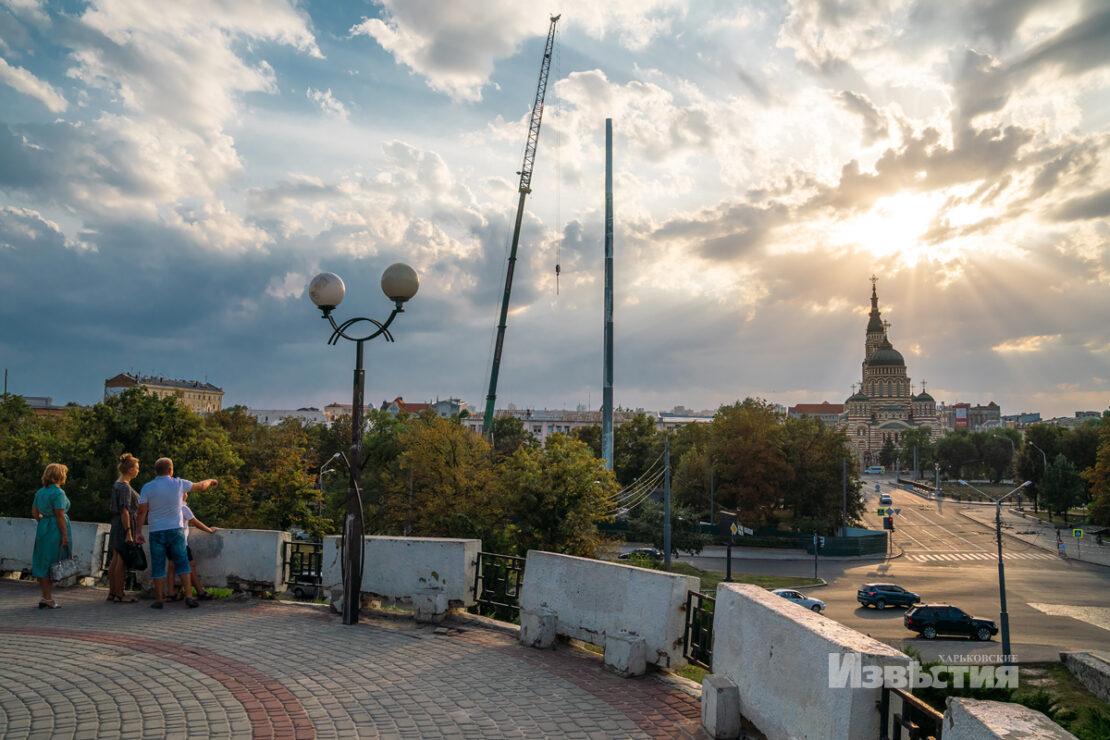 Топ-10 новых флагштоков ко Дню Независимости возглавил Харьков с высотой 101 метр