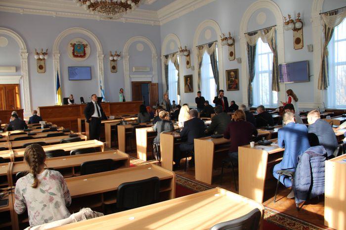 Сессия горсовета возобновила онлайн-трансляцию