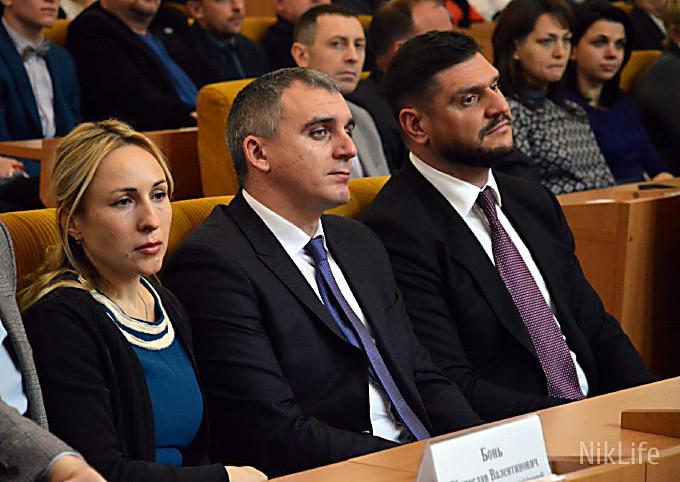 Более 65% горожан не доверяет ни Николаевскому горсовету, ни облсовету, ни ОГА