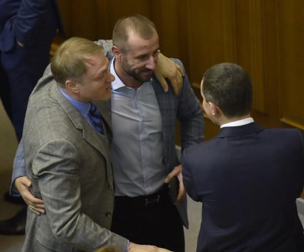 Гройсман вставляет пистоны депутатам