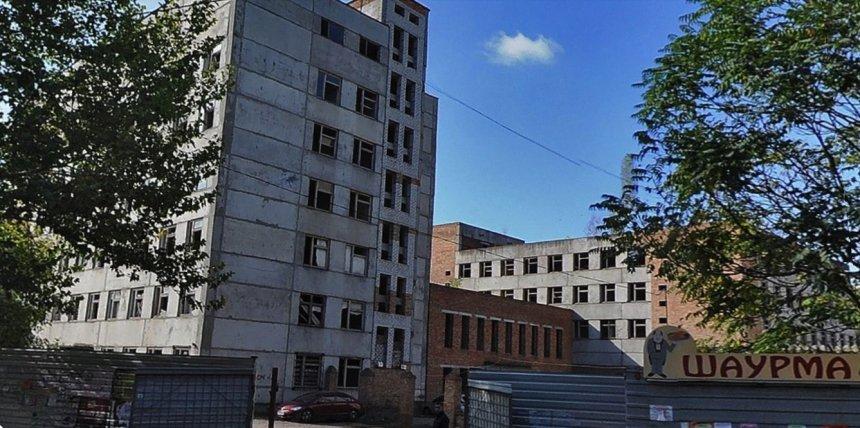 Депутаты спустя год «созрели» и отдали злополучный недострой на 3-й Слободской «могилянке»