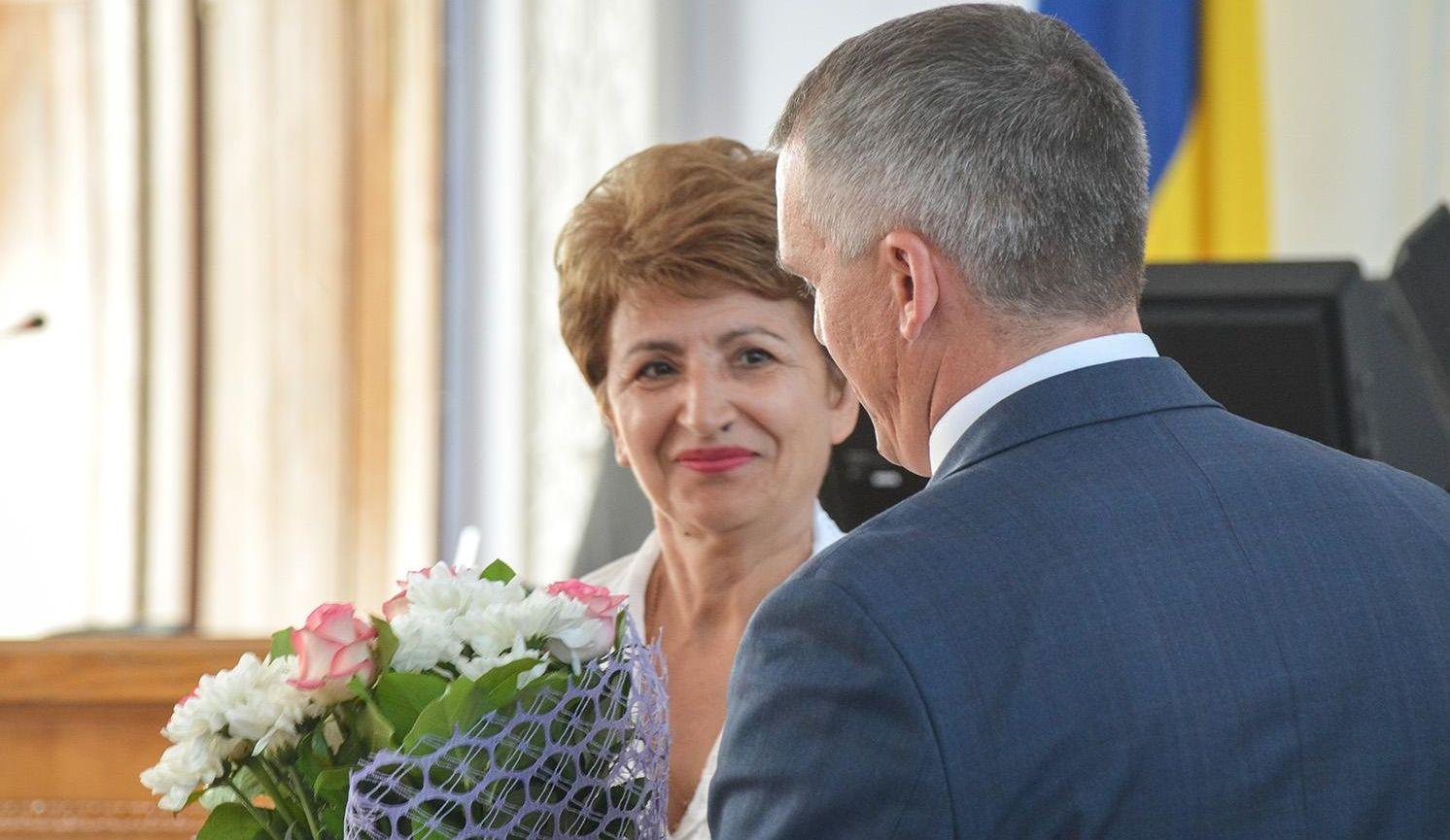 Порошенко присвоил звание «Заслуженного работника образования Украины» скандальной экс-начальнице Николаевского гороно Деркач