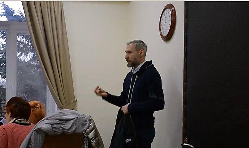 Николаевский депутат Апанасенко пытался выгнать журналистку с заседания рабочей группы, видео