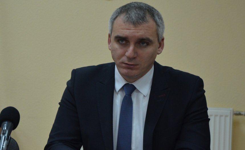 Решение суда о восстановлении Сенкевича вступит в силу еще не скоро