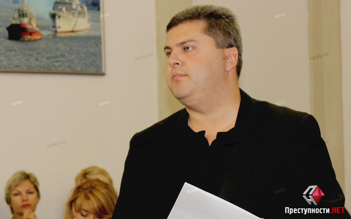 Сенкевич отстранил директора департамента ЖКХ Николаева от должности и назначил в отношении него служебную проверку
