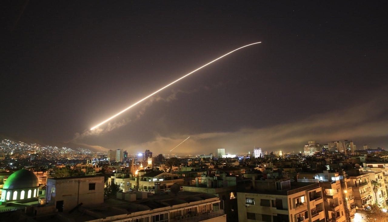 США, Британия и Франция нанесли удары по Сирии не предупредив Россию