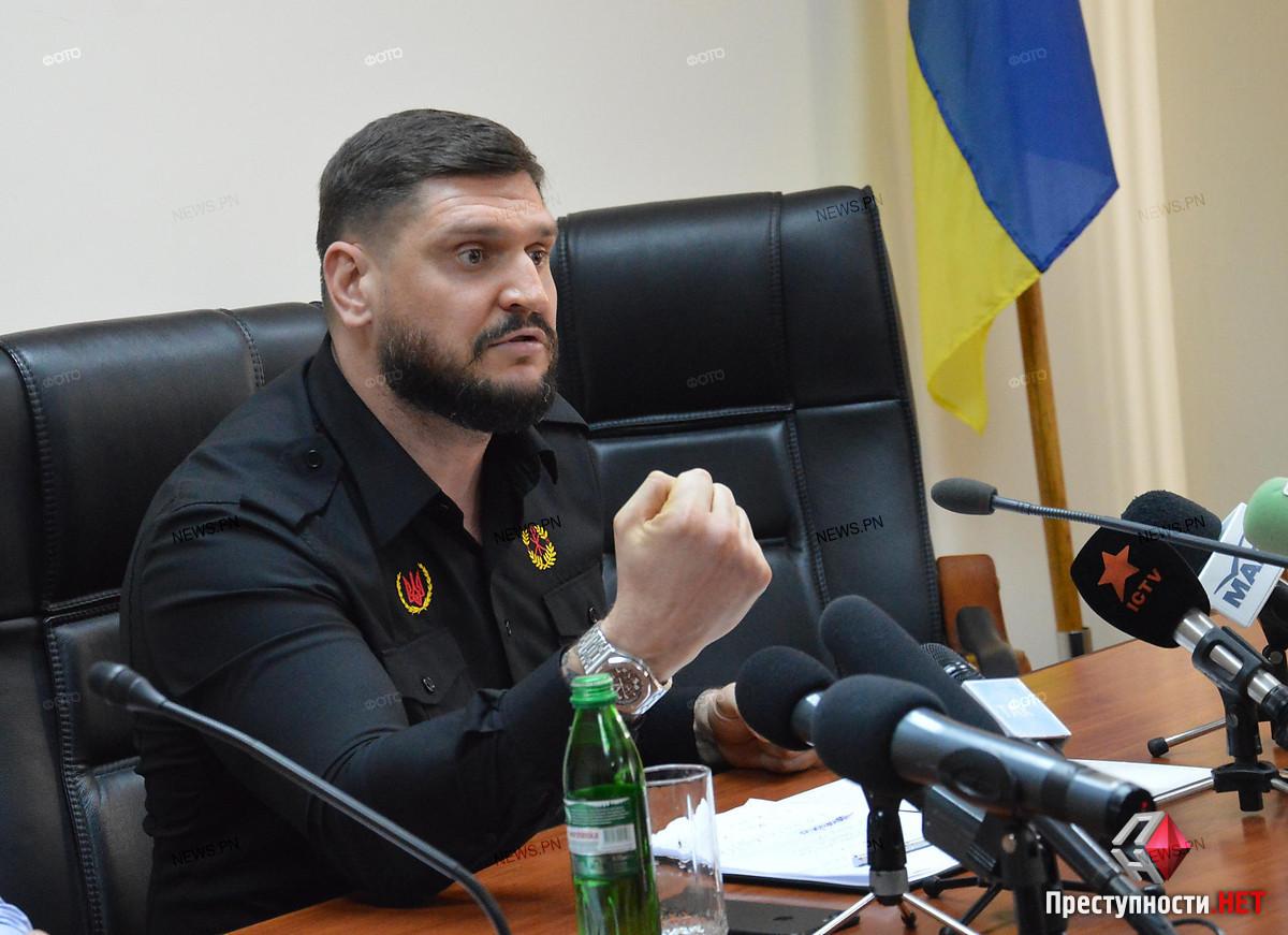 Глава Николаевской ОГА Савченко порекомендовал «будущим президентам» брать пример с Порошенко и помогать украинской армии