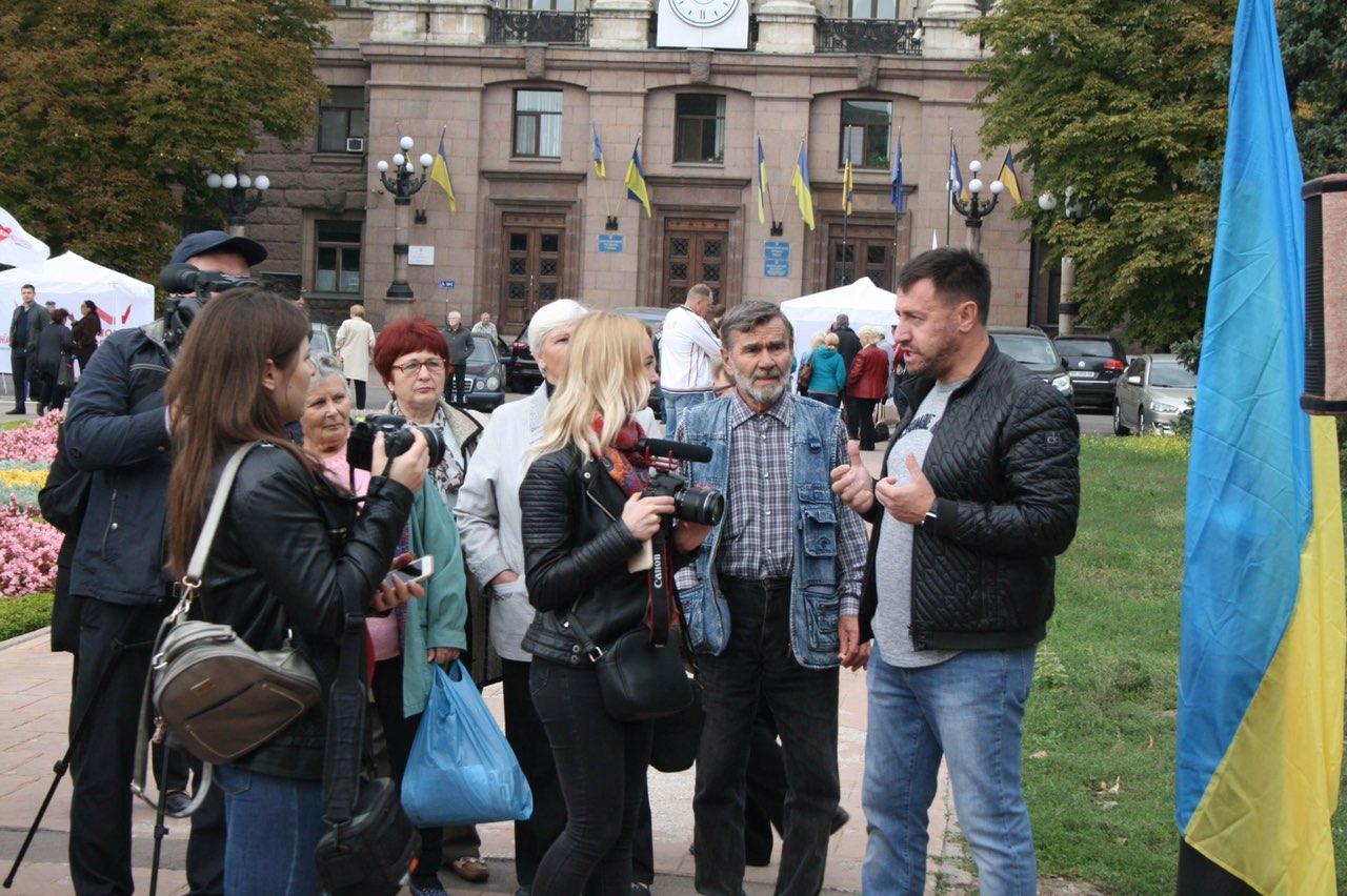 Стало известно, по какому округу будет баллотироваться в раду депутат Николаевского городского совета Владислав Ентин
