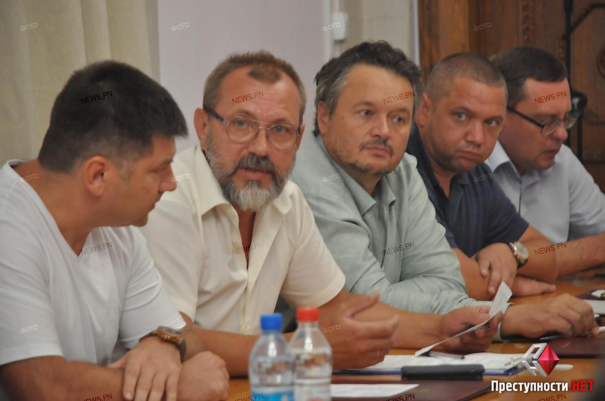 За день до того, как фирма «Город для людей-Николаев» должна приступить к работе, Сенкевич подписал иск о признании конкурса незаконным