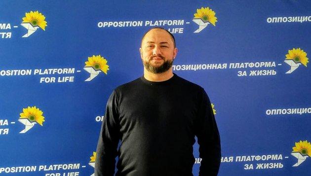 Максим Невенчанный формирует команду поддержки