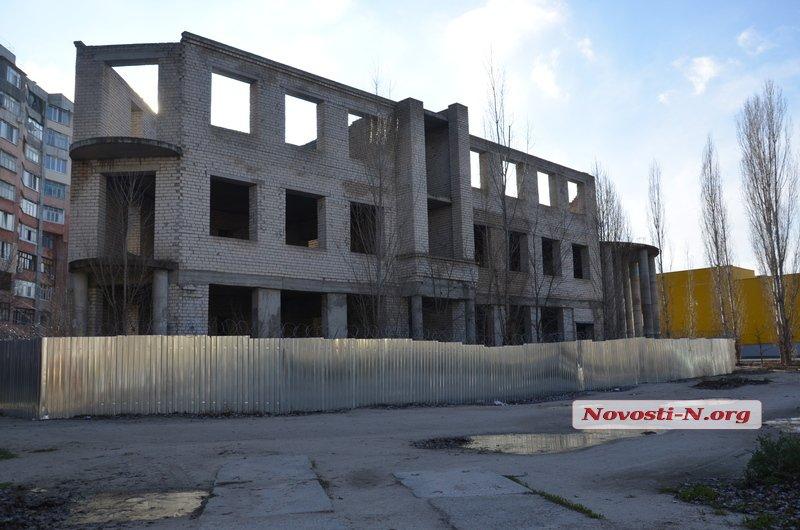 Депутаты предложили продать скандальный недострой на Намыве