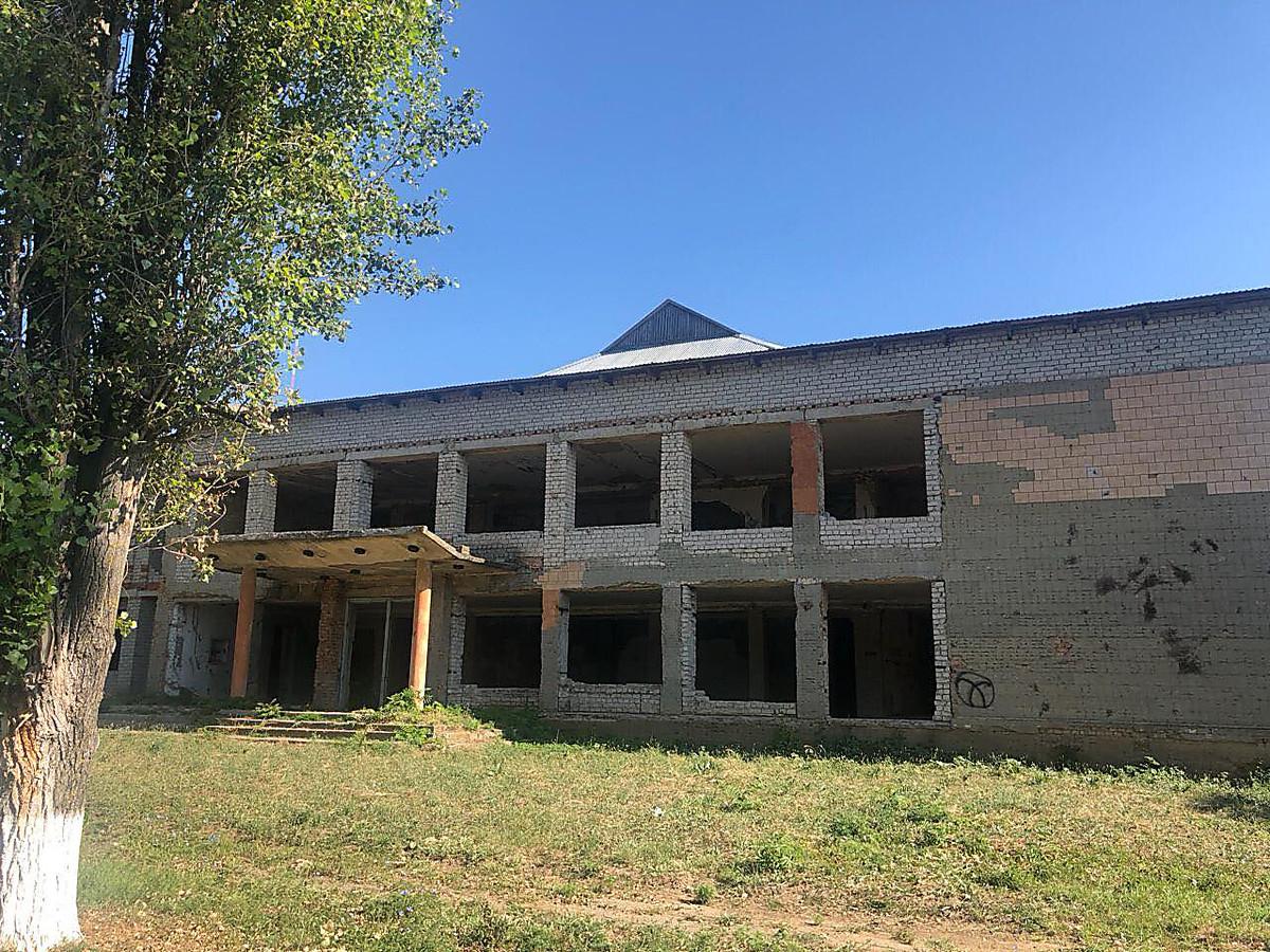 Дятлов показал, в каком состоянии находится дом культуры, о «ремонте» которого заявлял его конкурент Козырь