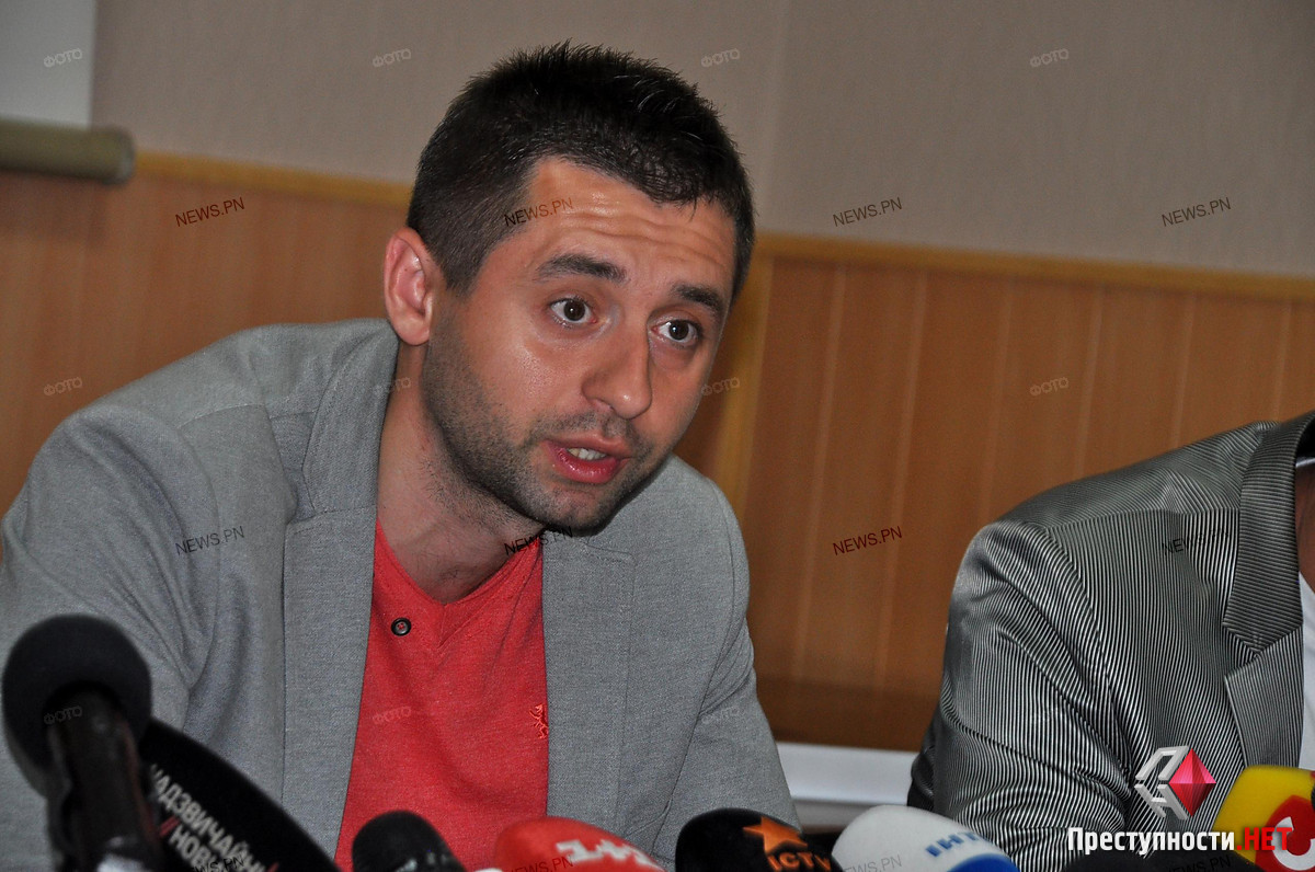 Арахамия заявил, что «сдуру поддержал» Сенкевича на выборах мэра в противовес Дятлову - последний посоветовал ему не снимать с себя ответственность