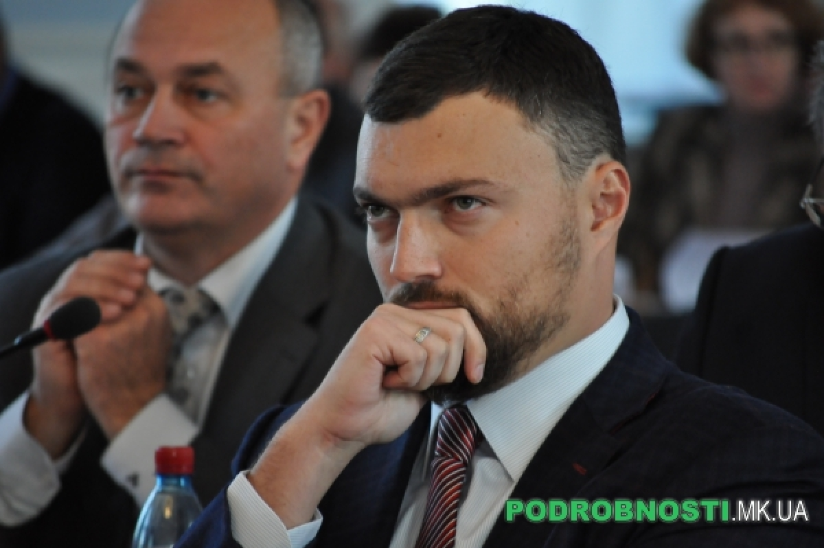 Игорь Дятлов считает, что ремонтом площади мэр взял на себя полную ответственность