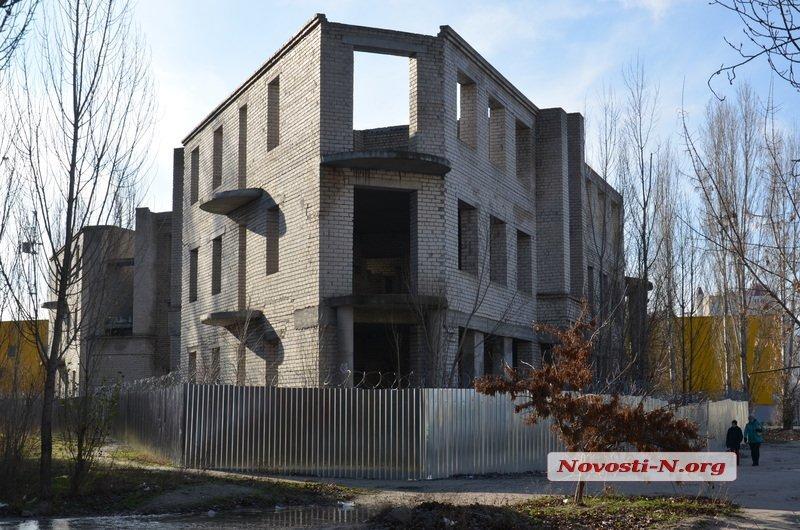 Сенкевич не смог ответить на вопрос о многократно завышенной цене покупки недостроя на Намыве