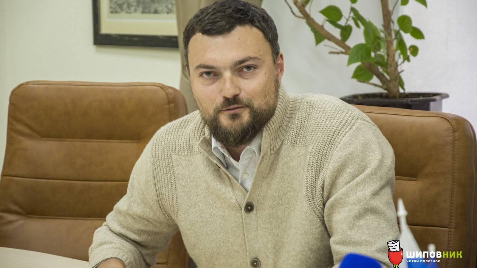 Дятлов пригрозил озвучить фамилии чиновников, которые «затягивают» вопрос закрытия строительства заправки в Соляных
