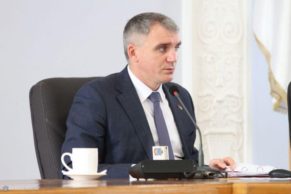 За год мэр Николаева выполнил два своих обещания, городской голова Херсона - ни одного
