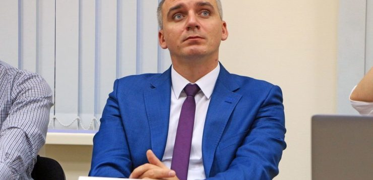 Сенкевич про Арахамию: ему не место в парламенте