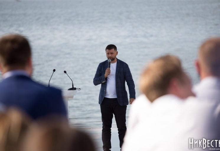 Житель Николаева разложил по пунктам предвыборную стратегию Арахамии: «Скорее фантазии или мечты»