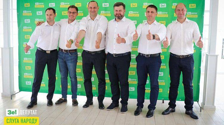 Николаевские «слуги народа» получили компенсацию из бюджета за аренду жилья в Киеве: двое из них миллионеры