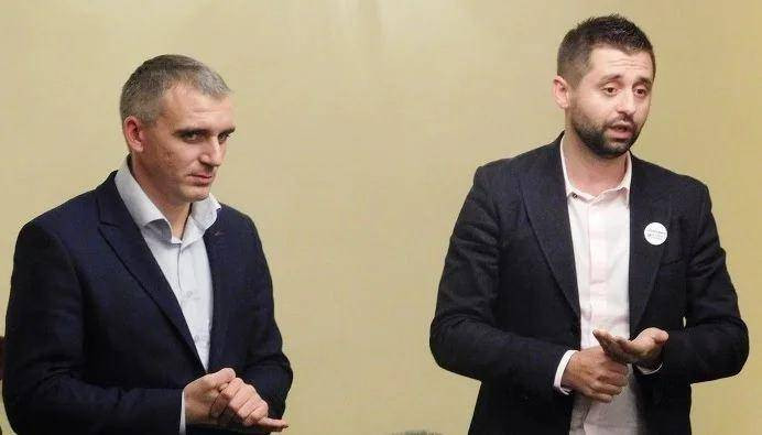Только слышим, не видим ничего, – Сенкевич о том, как «Слуга народа» Арахамия помогает Николаеву