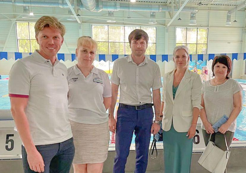 Секретарь горсовета Фалько с делегацией из Николаева поехал смотреть на современный спорткомплекс с бассейном в Мелитополе, где бюджет в 4 раза меньше