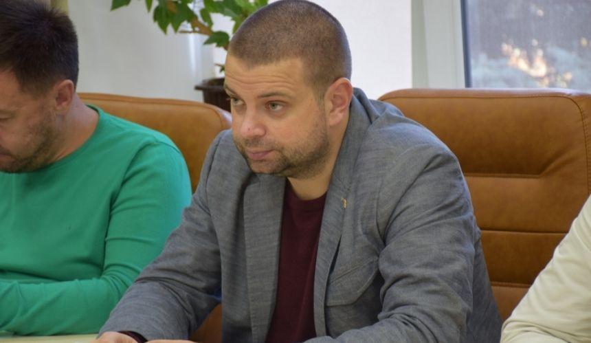 Экс-депутат Николаевского горсовета призвал инициировать отставку мэра Сенкевича