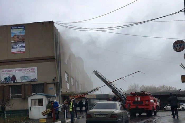 В Херсоне горит автовокзал (ФОТО)