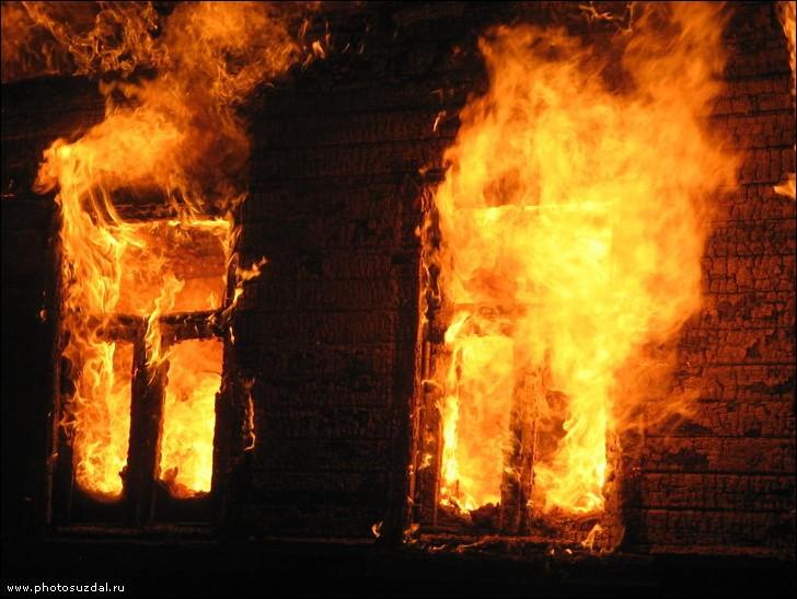 В Николаеве в пожаре погиб мужчина и еще 4 человек спасли