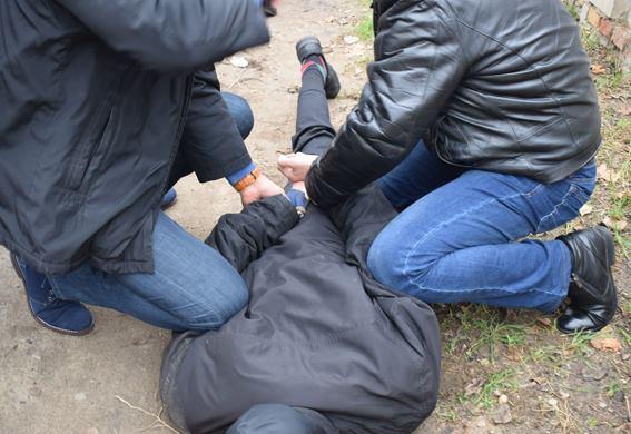 В Корабельном районе задержали двух наркоторговцев