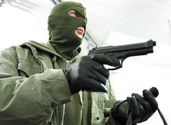 В Николаеве неизвестные попытались ограбить ювелирный
