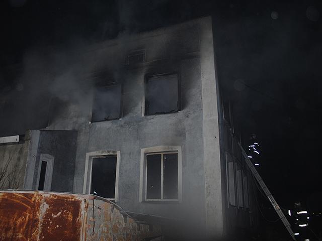 В Николаеве горел жилой дом: погиб мужчина